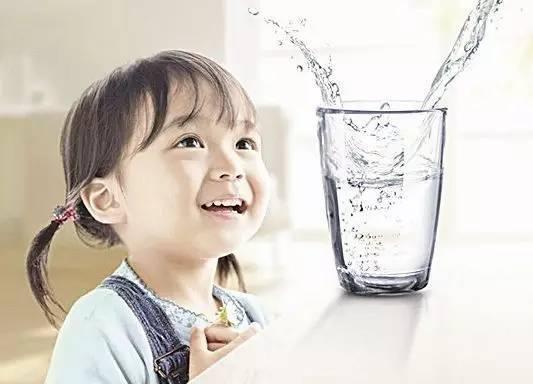 长高喝水.jpg